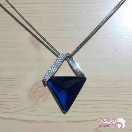 https://botick.com/product/110666-گردنبند-رو-لباسی-مثلثی