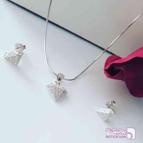 https://botick.com/product/126686-نیمست-نقره-طرح-الماس