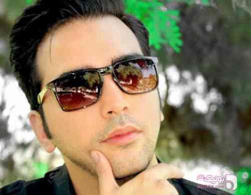 https://botick.com/product/131030-عینک-آفتابی-مردانه-فراری
