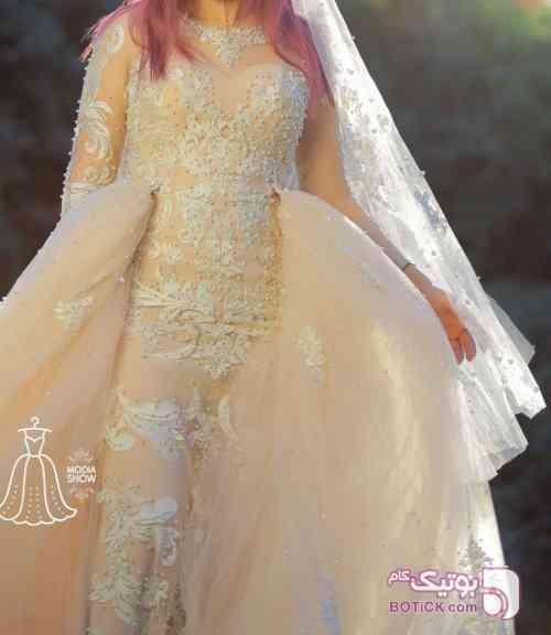 پنل گلدوزی  عروس کرم لباس عروس