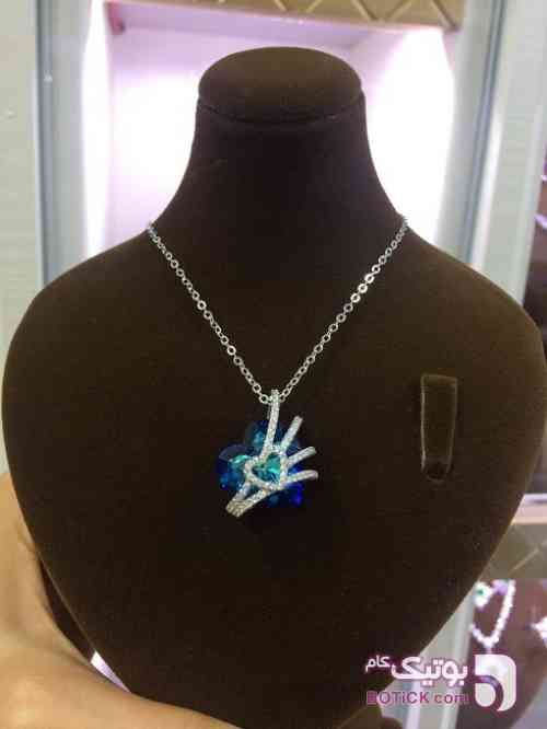 https://botick.com/product/183460-گردنبند-نقره-سواروسکی-قلب-آبی-اقیانوسی