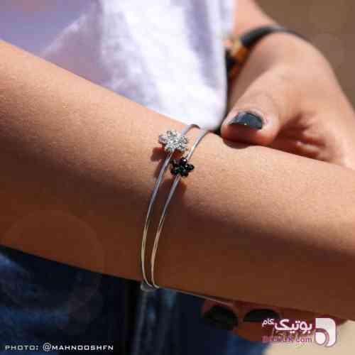 دستبند شکوفه ای طلایی دستبند و پابند
