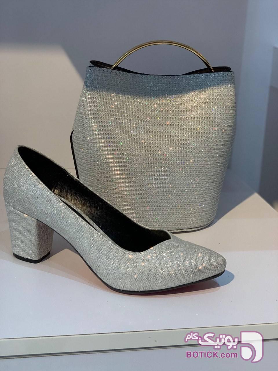 ست کیف و کفش بسیار شیک نقره ای كيف زنانه