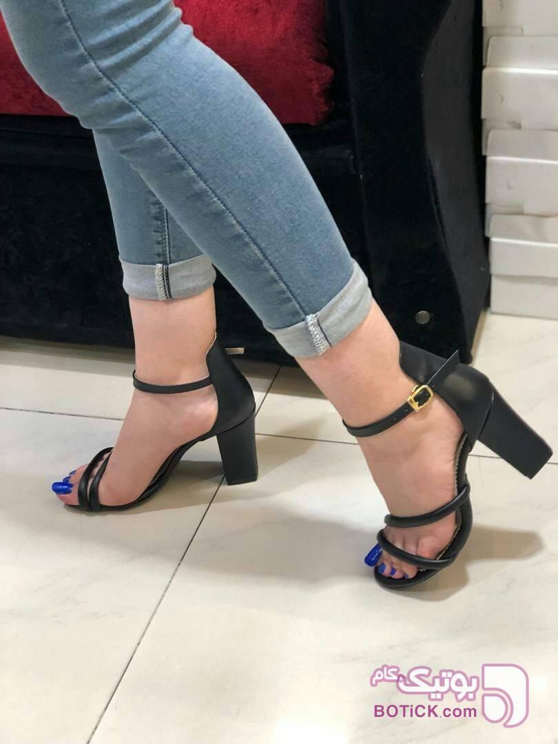 کفش مجبسی سه بند پاشنه پهن مشکی كفش زنانه