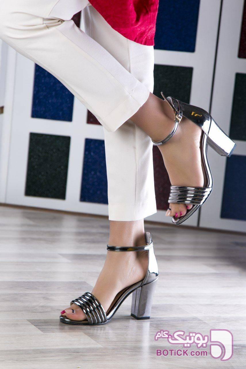 کفش کد ۴۹۷ قالب استاندارد مشکی كفش زنانه