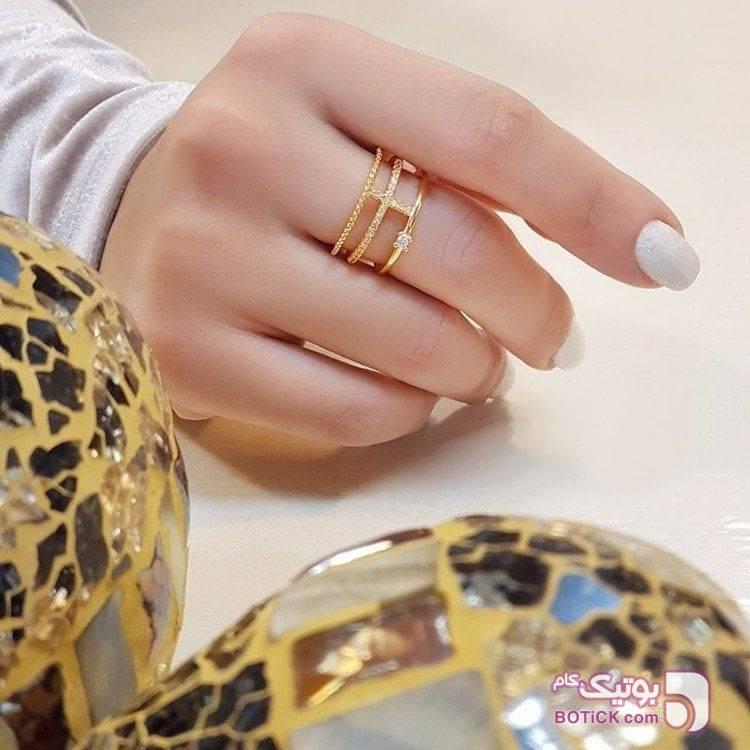 انگشتر نگین دار طلایی انگشتر