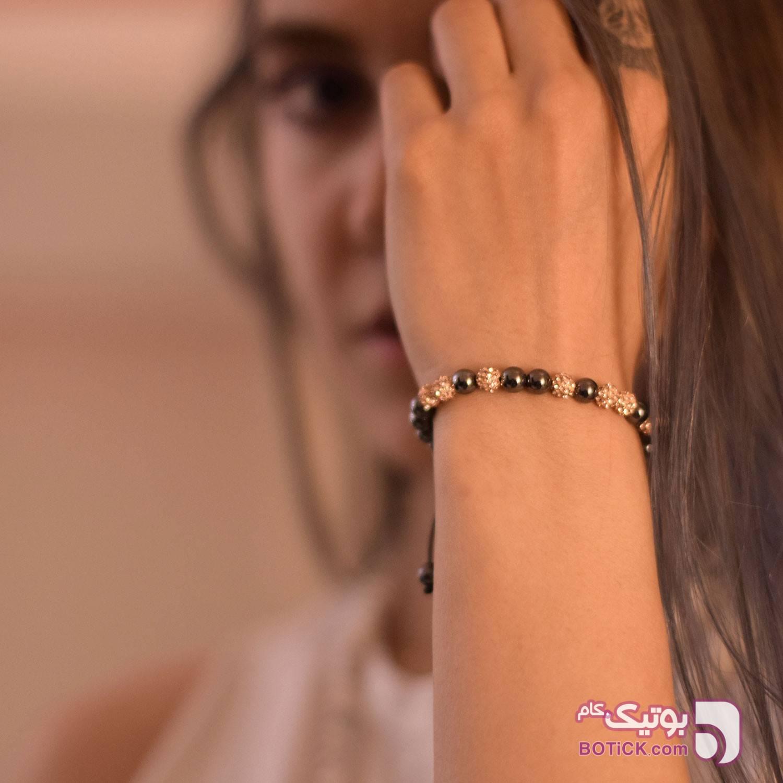 دستبند گوی نگین دار سواروسکی | سنگ هماتیت | SK3  کرم دستبند و پابند