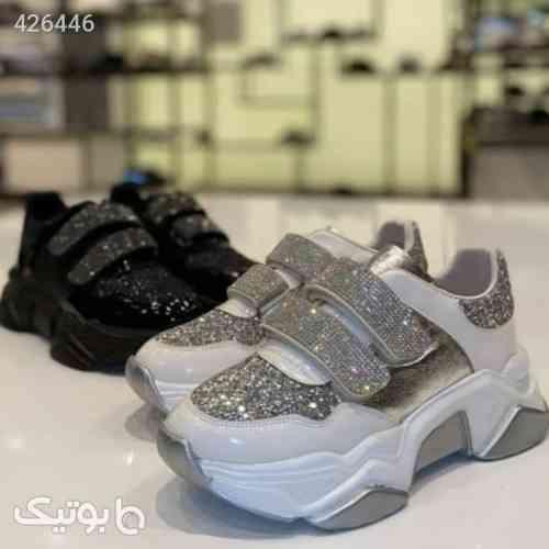 https://botick.com/product/426446-کفش-دخترانه-لاکچری