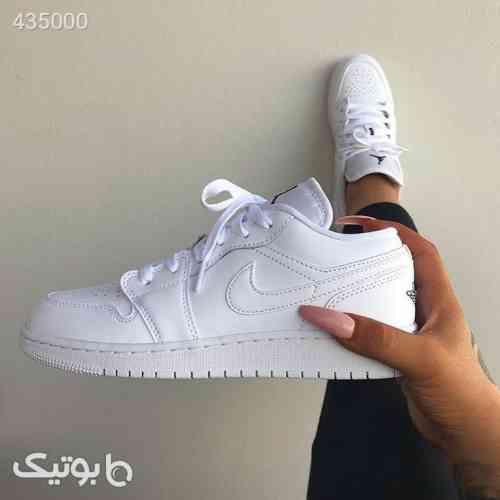 https://botick.com/product/435000-نایک-جردن-۱-بدون-ساق-Nike-Jordan-1