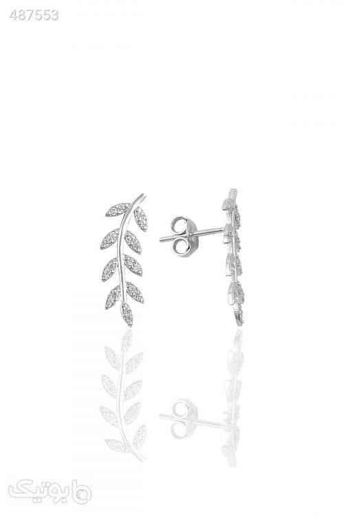 https://botick.com/product/487553-گوشواره-مدل-برگ-نگین-دار-نقره-ای-زنانه-برند-Söğütlü-Silver-کد-1592859743