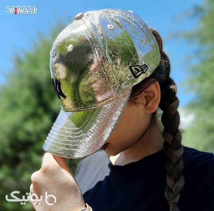 کلاه کپ هولوگرامی دخترانه و پسرانه طرح چروک صورتی کلاه و اسکارف
