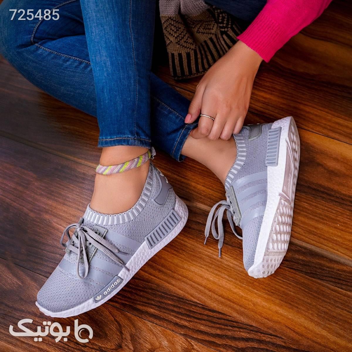 كفش ورزشي طوسي adidas زنانه مدل Anika نقره ای كتانی زنانه