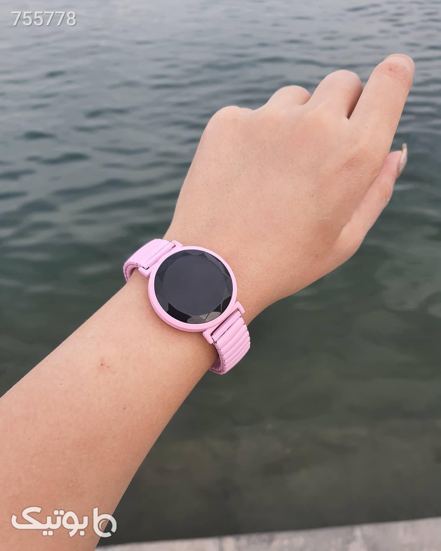 ساعت صورتی ساعت