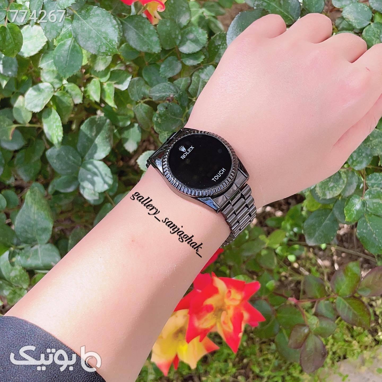 ساعت مشکی ساعت