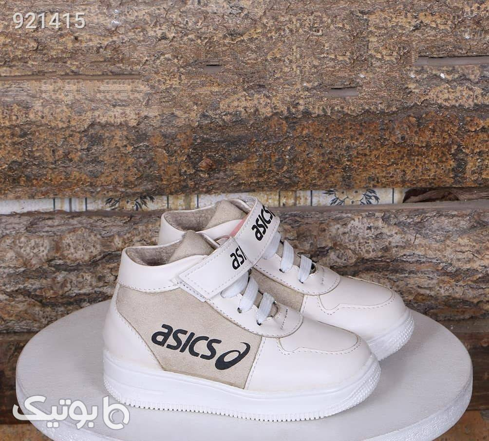 کتونی  سفید کیف و کفش بچگانه